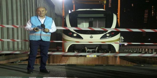 Hacıosman-Yenikapı metro araçları raylarla buluştu